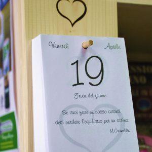 Pag Amazon Supporto da muro da appendere con Calendario Gabriele